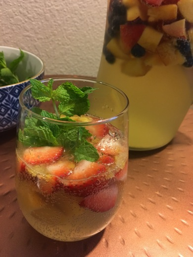 D4D Peach Berry White Sangria